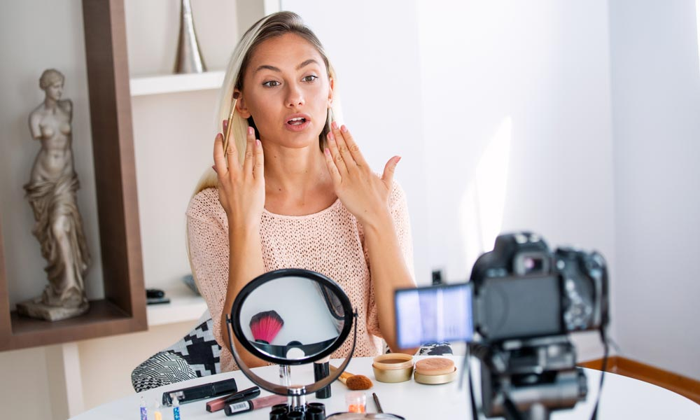 Should You Collaborate With Influencers To Market Your Beauty Salon?